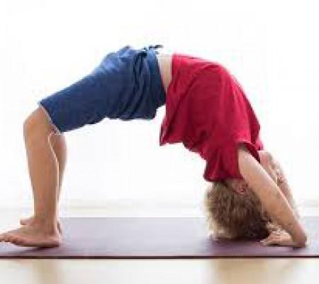 Các động tác tập yoga tại nhà phù hợp trẻ em